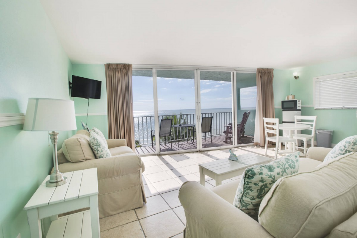 Beachfront Suite Fort Myers Beach Florida Ocean Views and full service resort