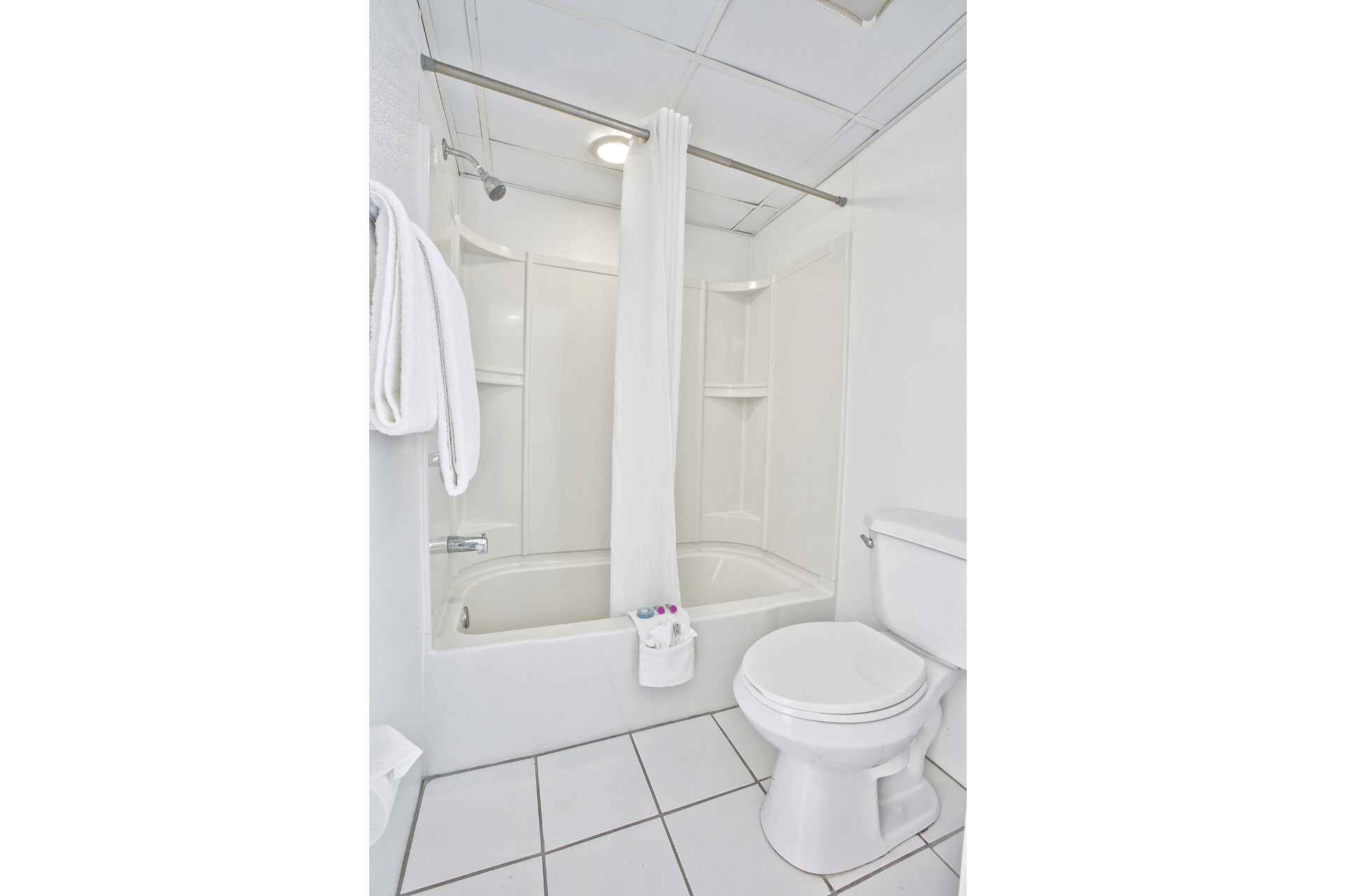 Bacehfront-Studio-Hotel-Bathroom-Ft-Myers-Beach