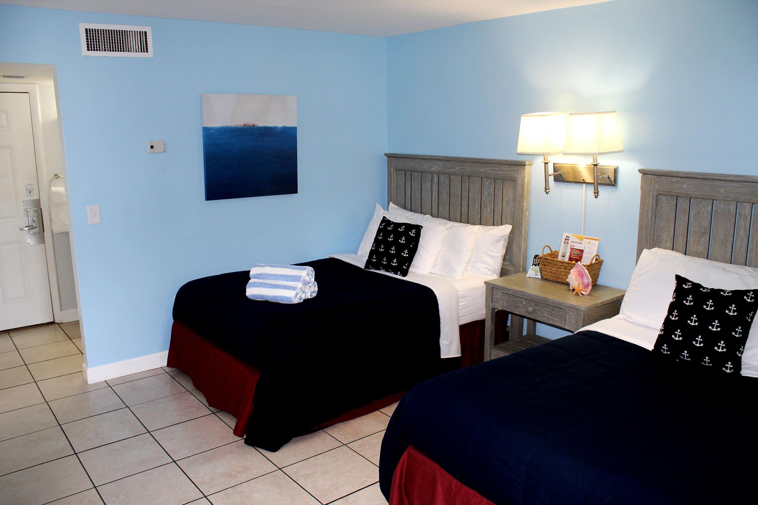 Fort Myers Beach Hotel Deluxe Suite Bedroom 3