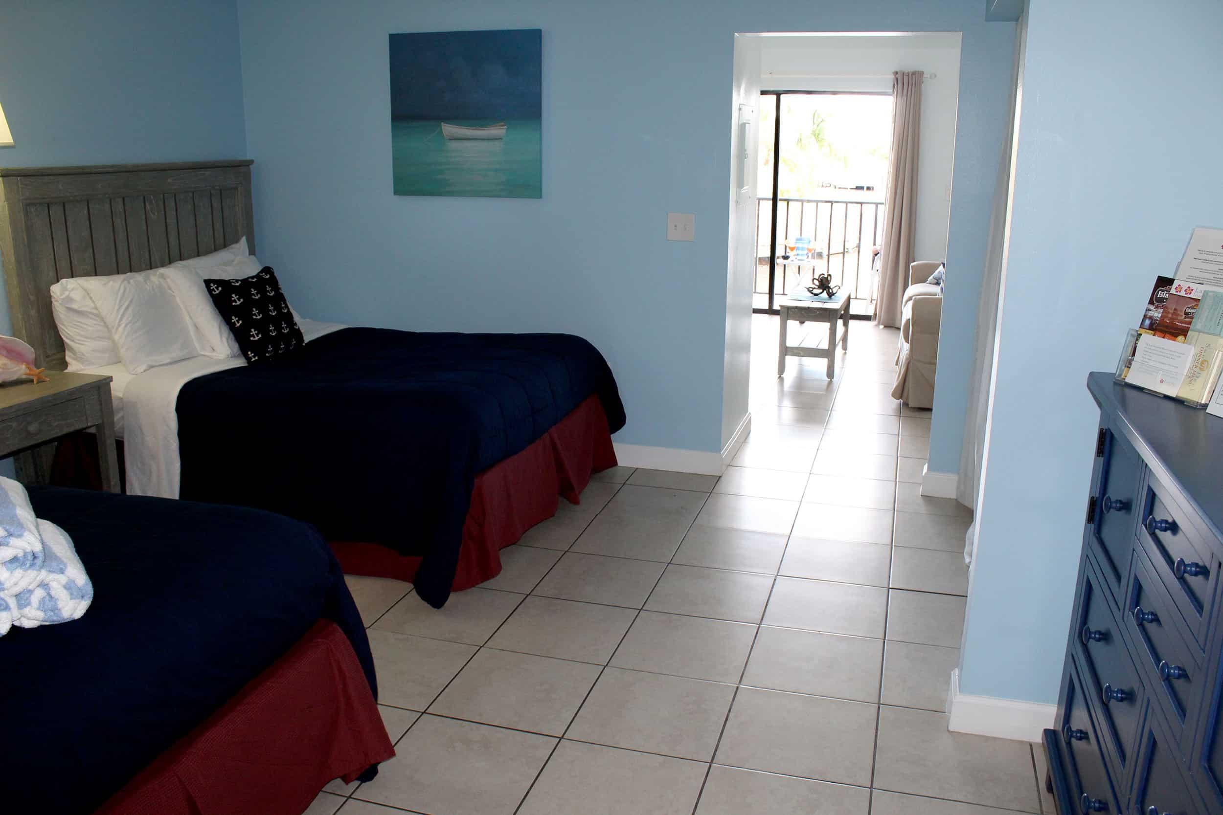 Fort Myers Beach Hotel Deluxe Suite Bedroom