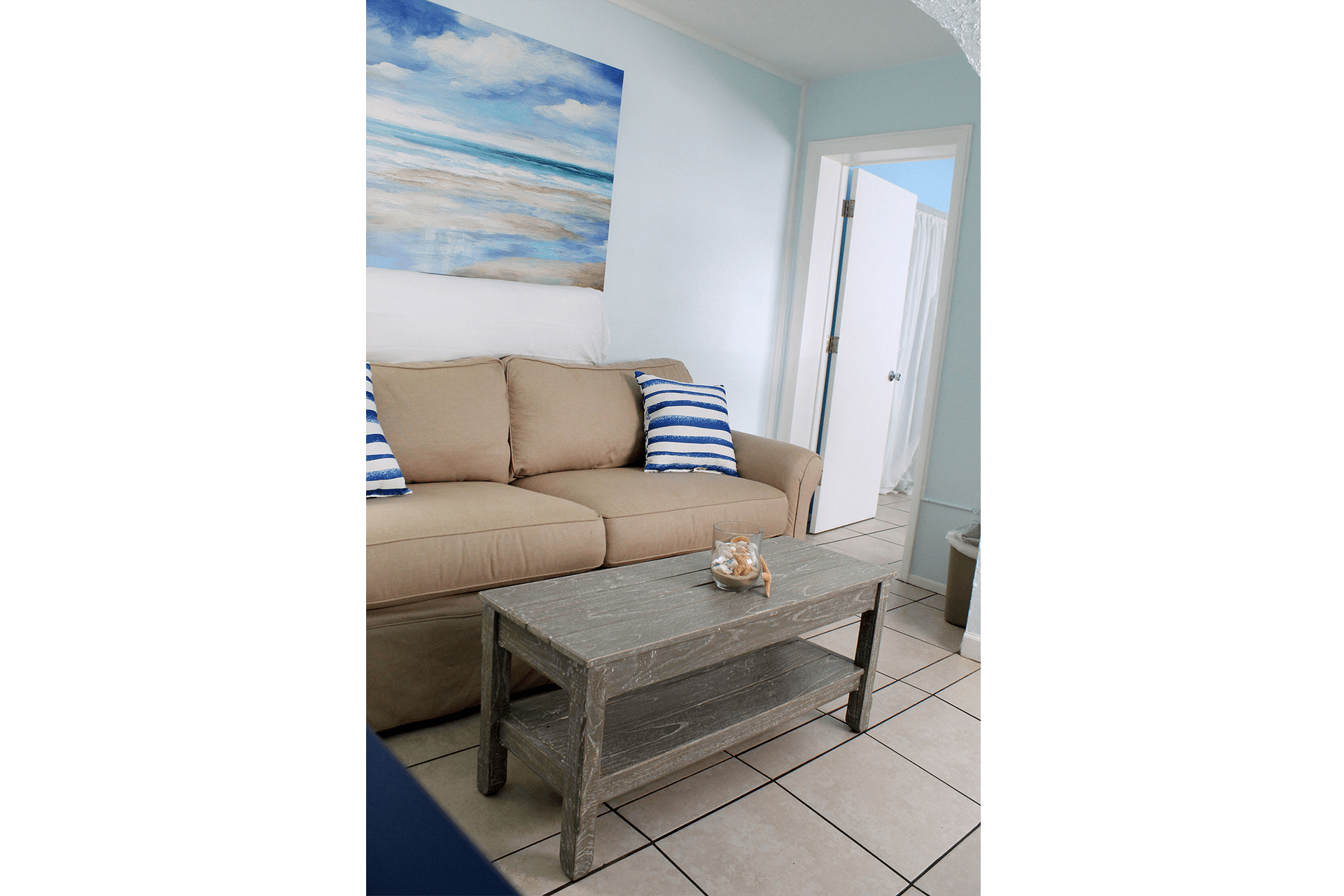 Fort Myers Beach Hotel Standard Living Room