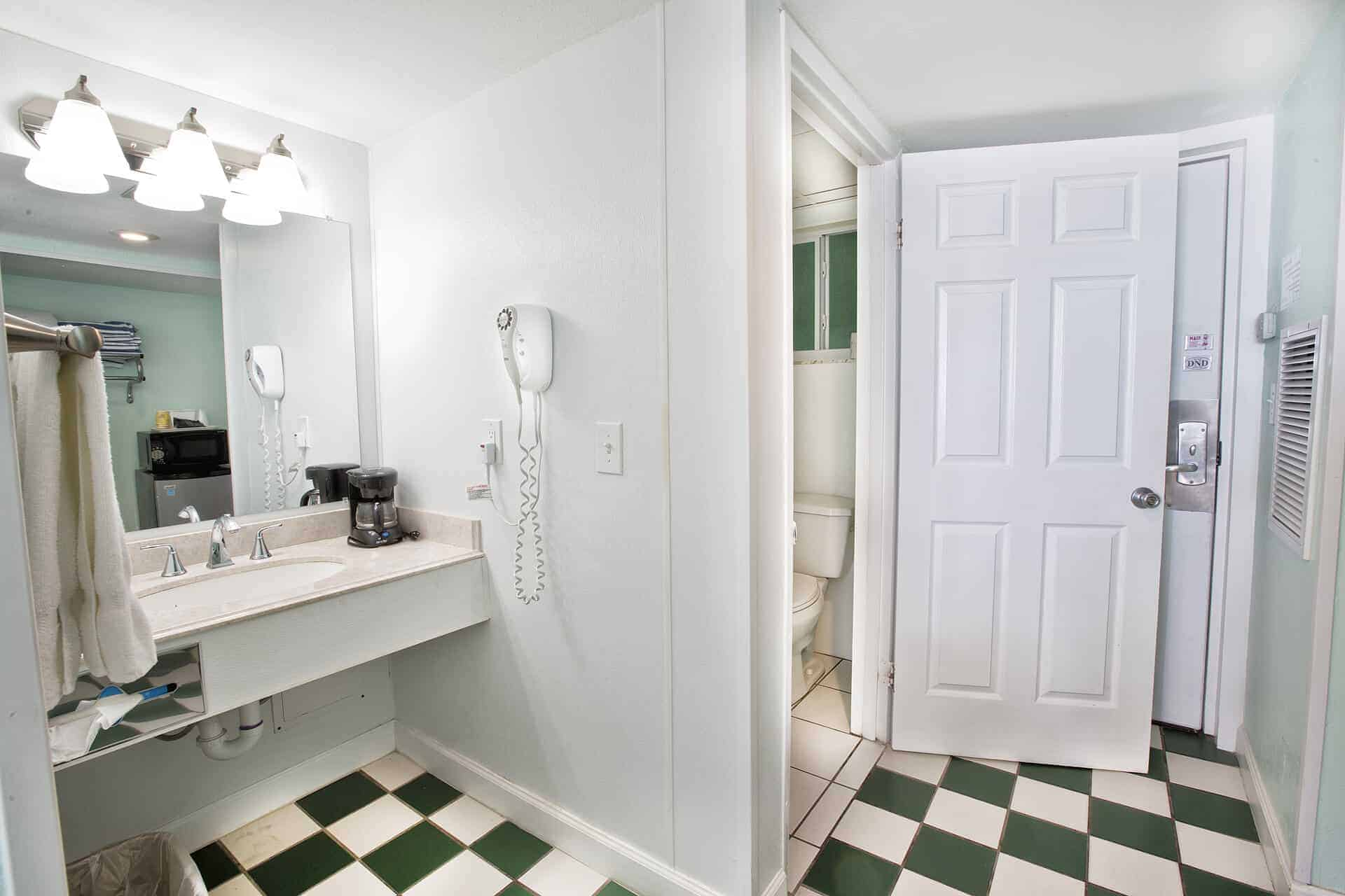 Standard Beachfront Room Bathroom | Rooms Available | Fort Myers Beach