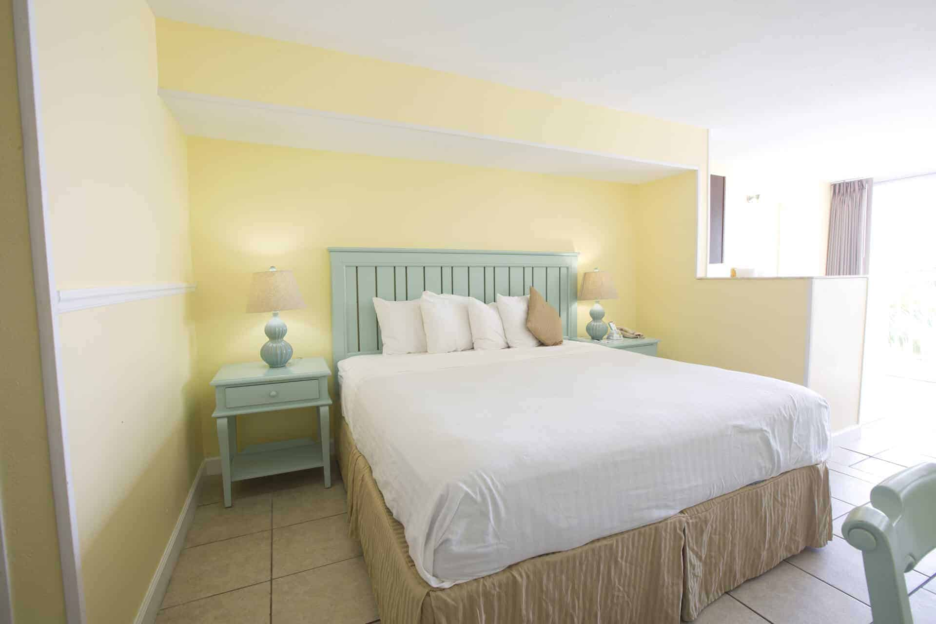 Studio Beachfront Room King Size Bed | Rooms Available | Fort Myers Beach