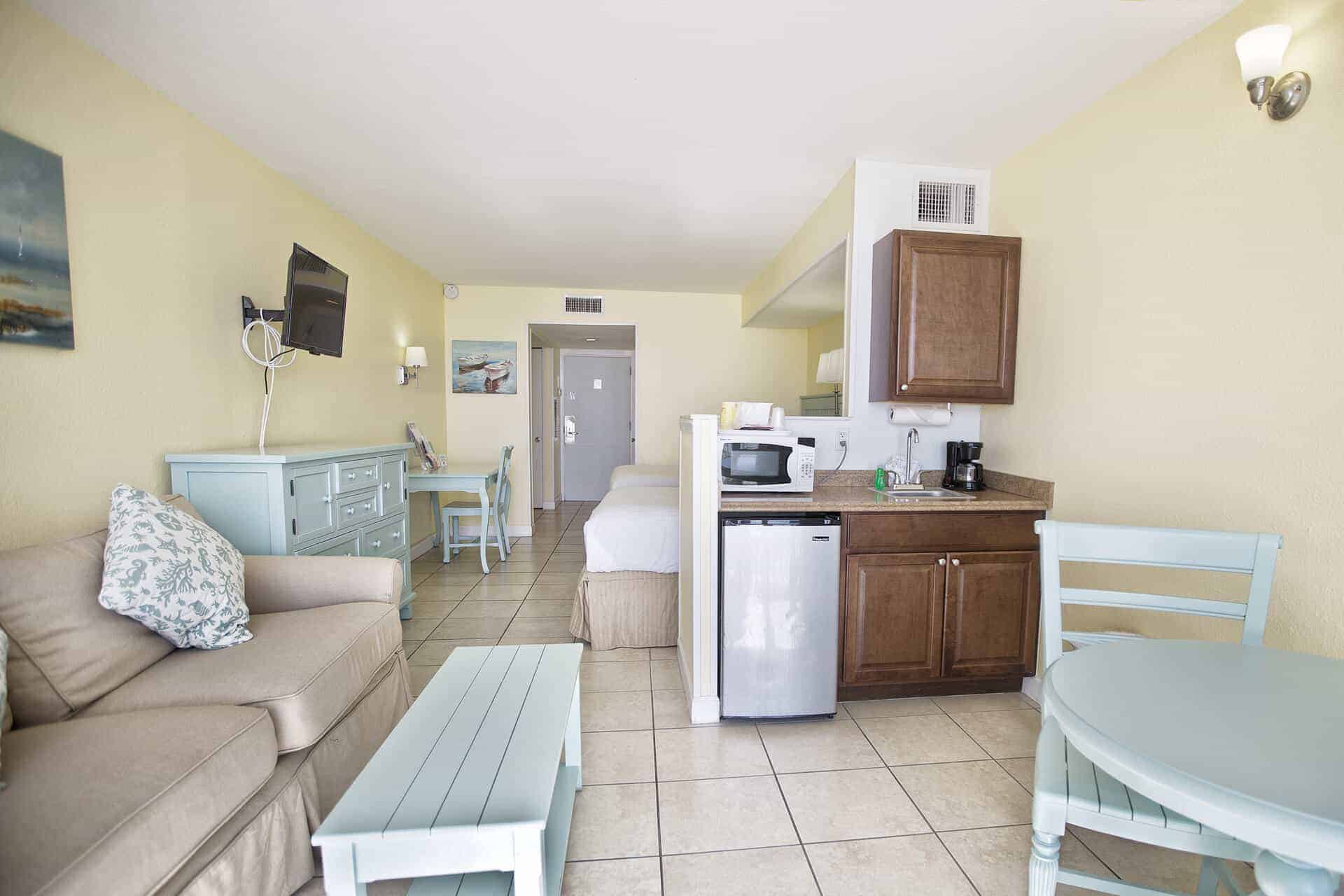 Studio Beachfront Room | Rooms Available | Fort Myers Beach